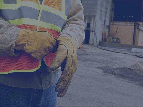 Équipement de Protection Individuel Outibat : signalétique, matériel de signalisation, harnais de sécurité, accessoires anti-chute, casque de chantier, lunette, écran, gant, masque, casque anti-bruit, vêtement de travail,...